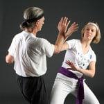 Taijipodlupou.cz - na fotografii vidíte nácvik Taiji - technika z Dalu v provedení R. Amackera a v. Pechové