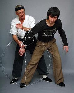 Ve fotografii je zakreslen Kovový, Dřevěný a Vzdušný míč.